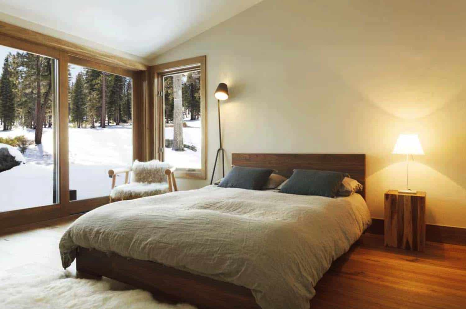 Amazing Cozy-Rustic Bedrooms-24-1 Kindesign