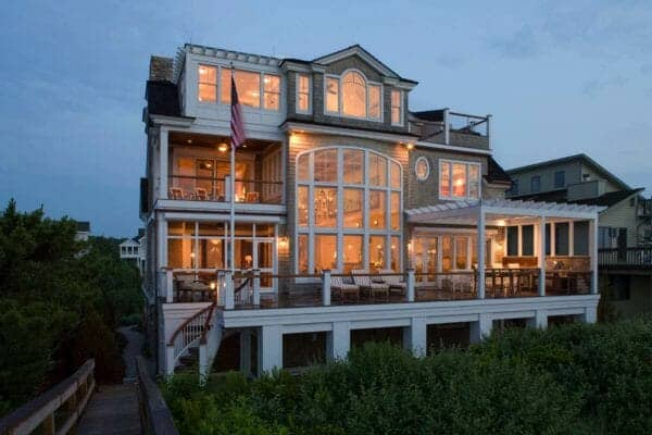 featured posts image for Breathtaking beach house retreat overlooking the Atlantic Ocean