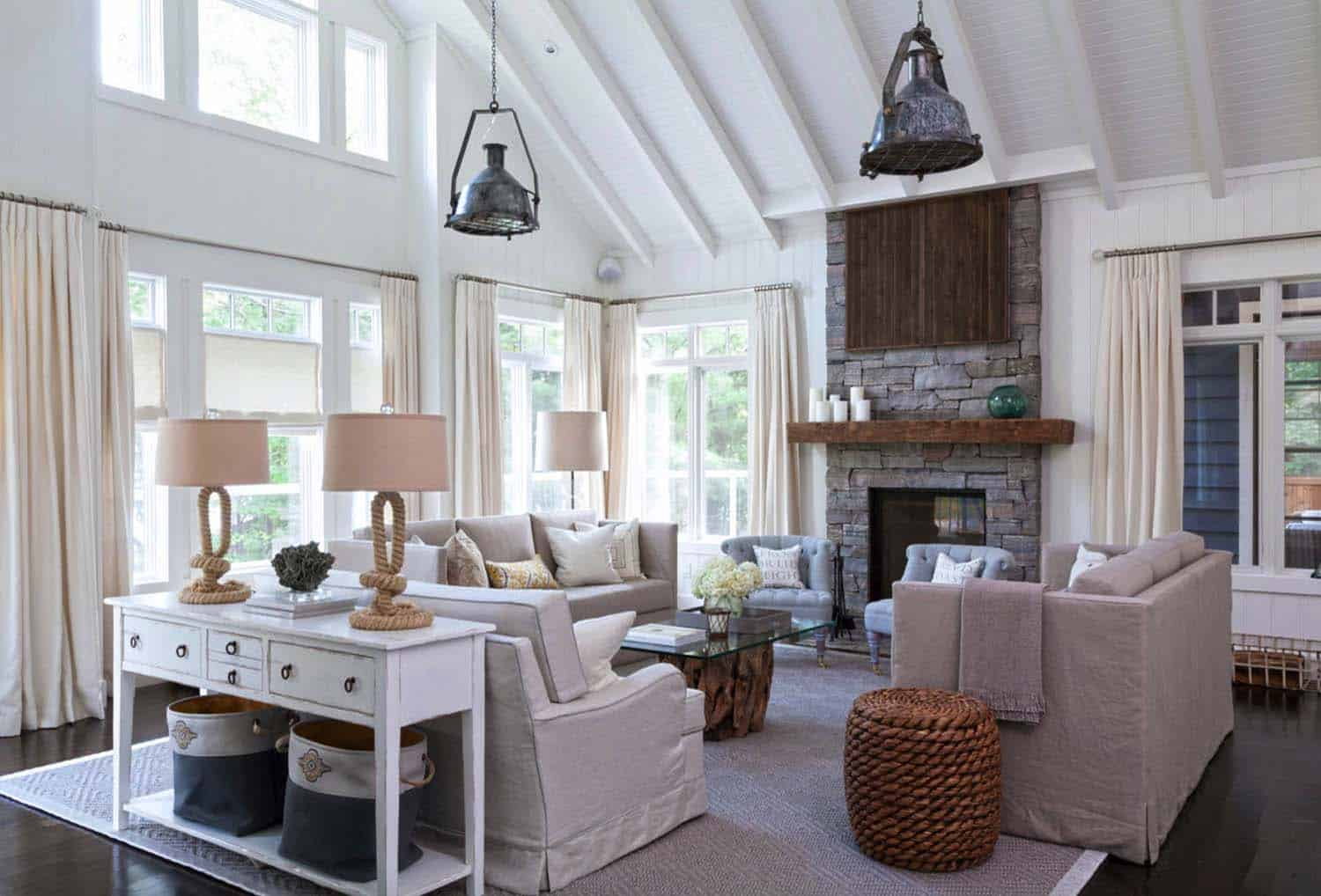 Muskoka beach cottage designed with fresh and inspiring details