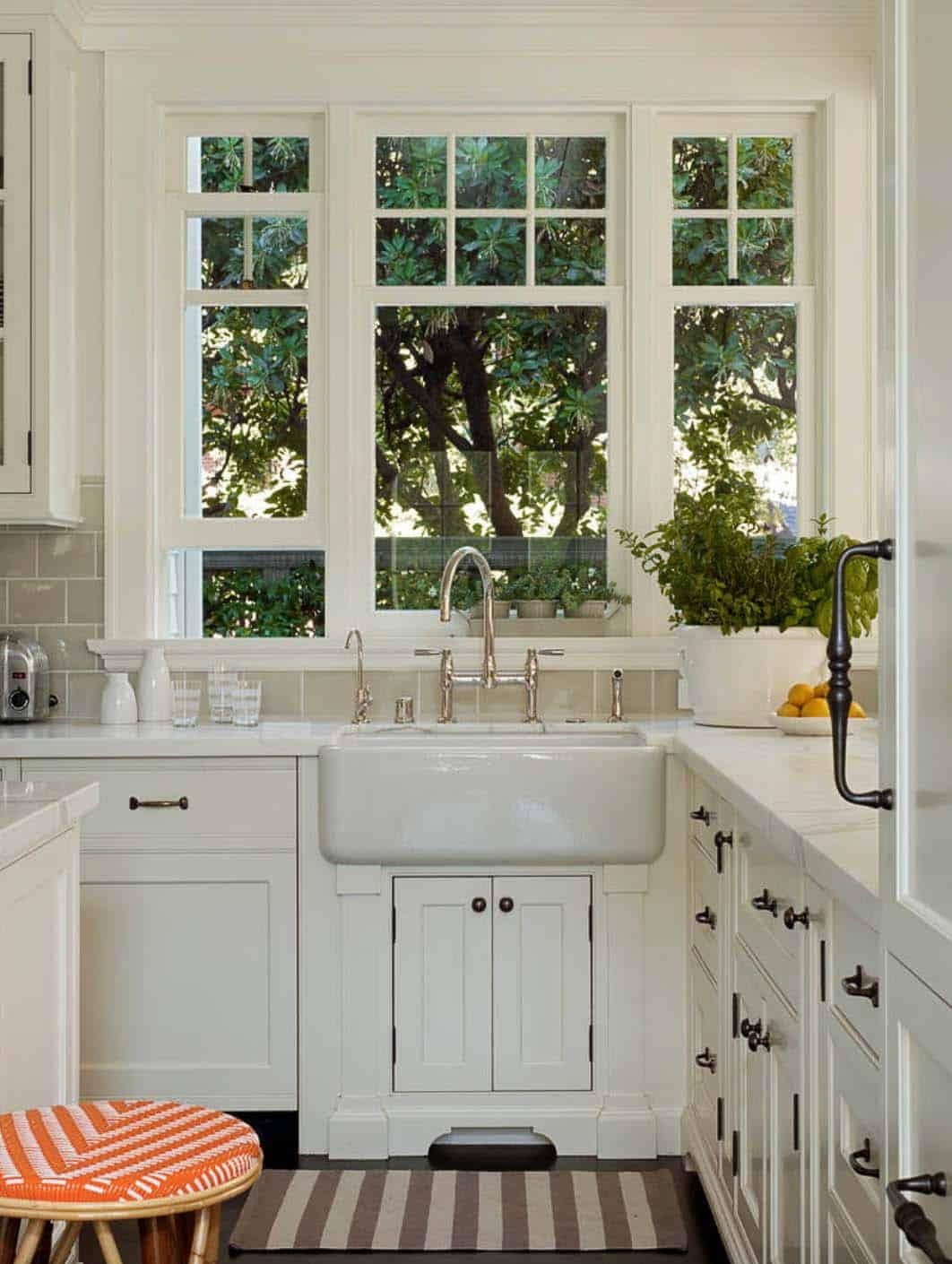 Dutch Colonial Revival-Scavullo Design Interiors-05-1 Kindesign