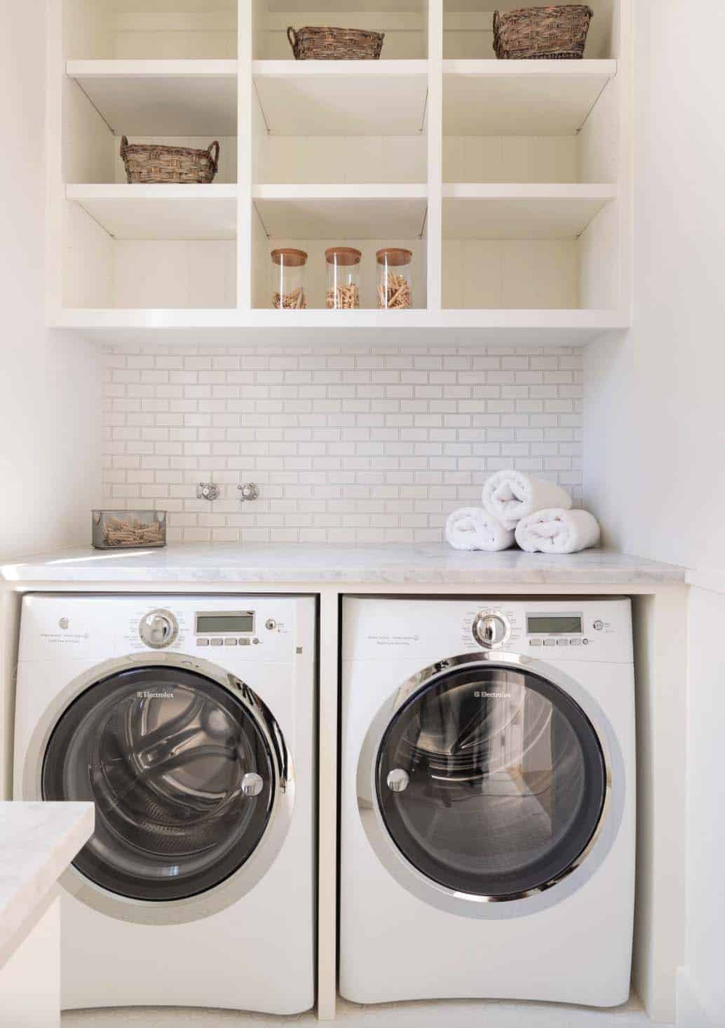 35 clever ways to create functional and stylish small - Laundry room layout ideas ...