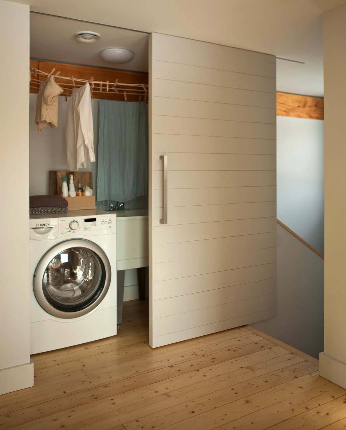 Functional-Stylish Small Laundry Rooms-09-1 Kindesign