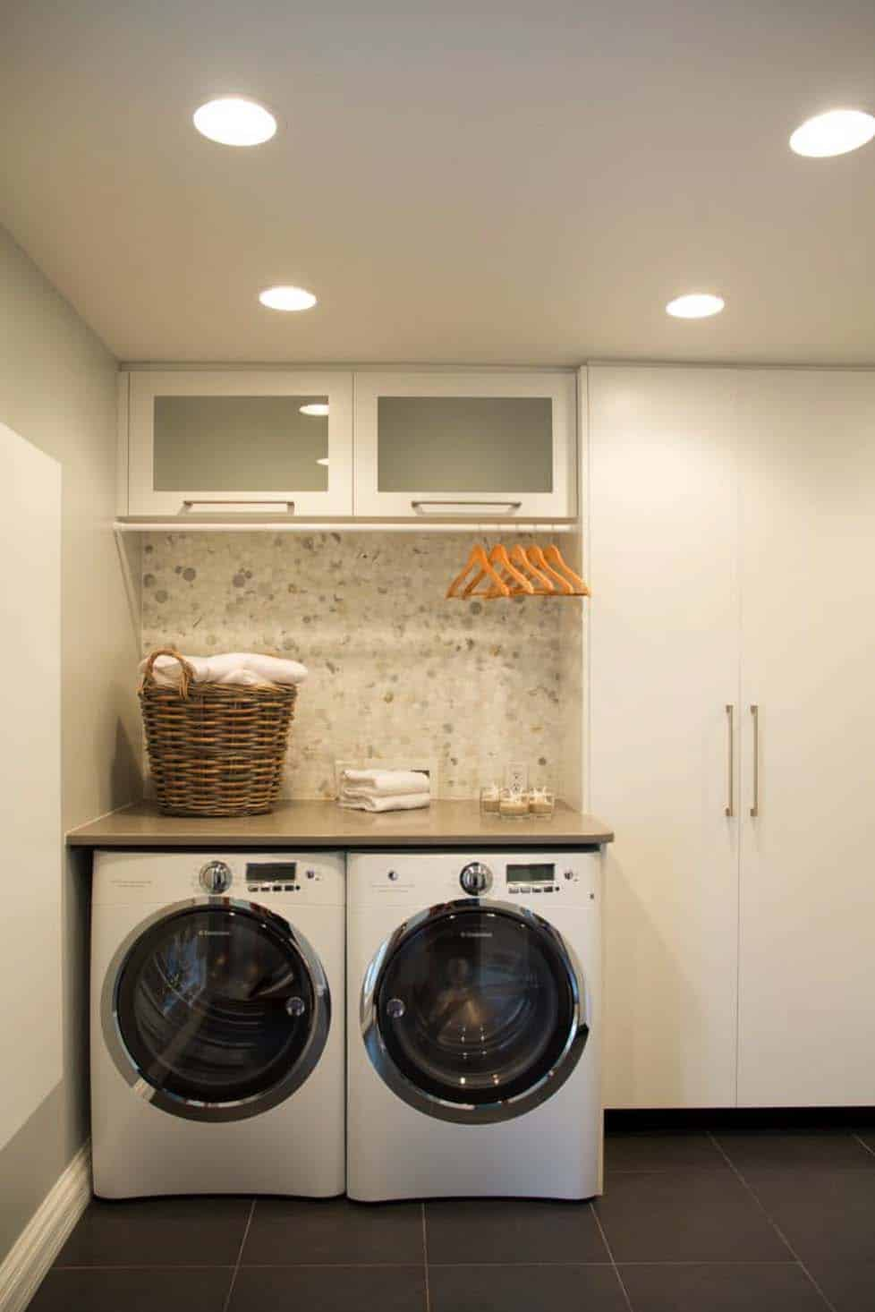 Functional-Stylish Small Laundry Rooms-10-1 Kindesign