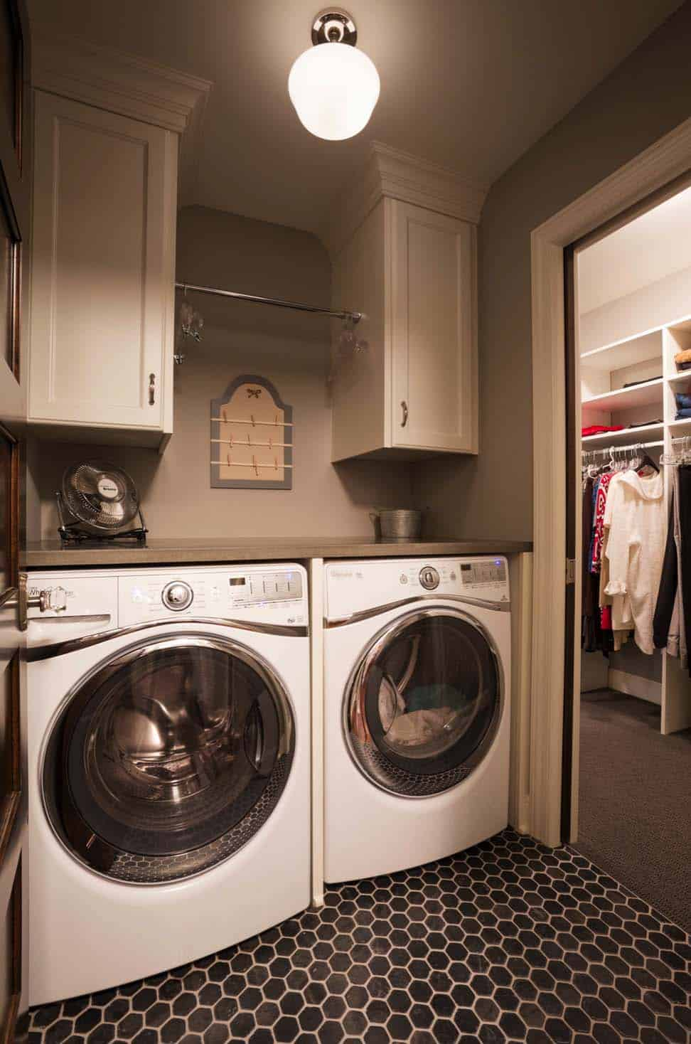 Functional-Stylish Small Laundry Rooms-11-1 Kindesign