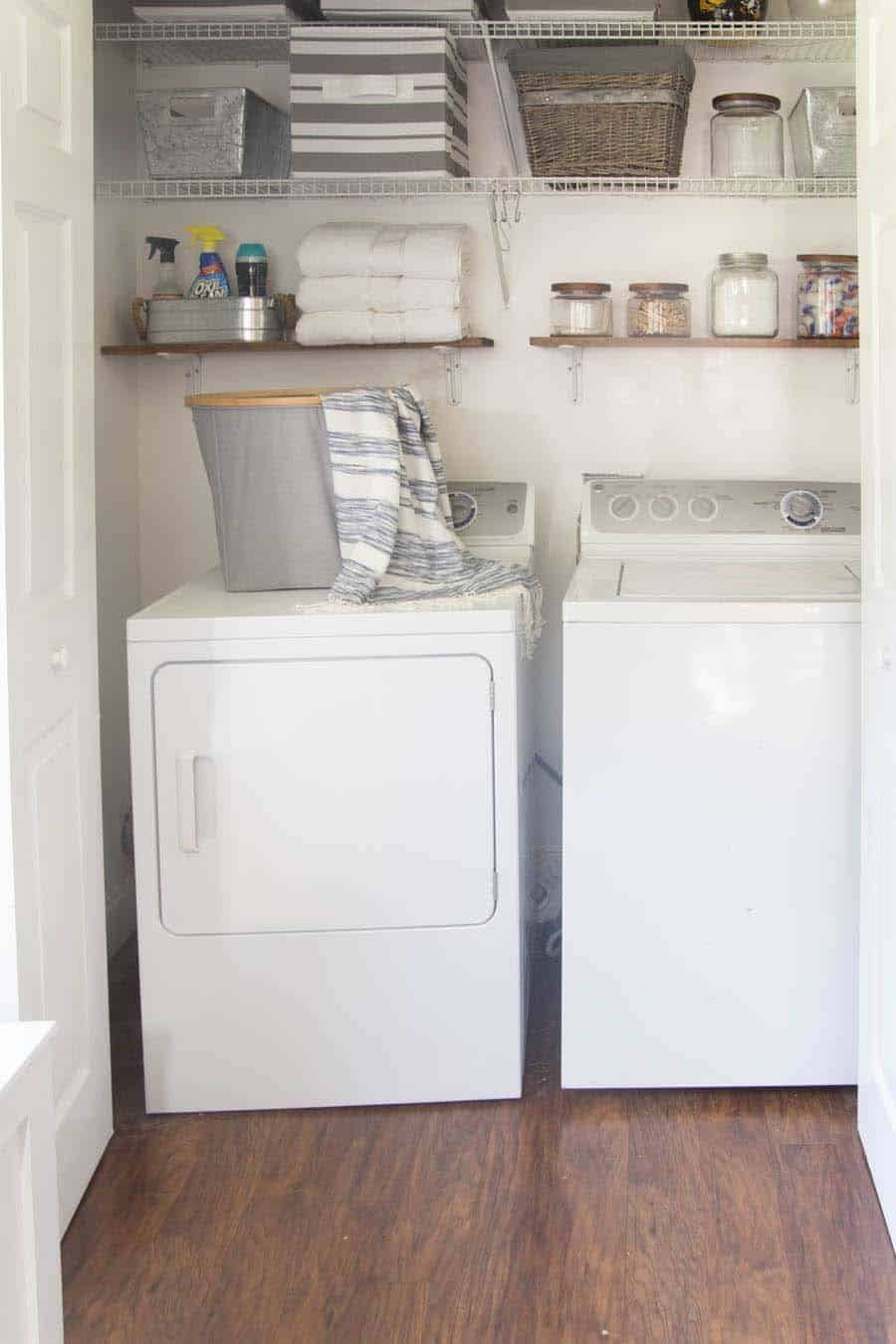 Functional-Stylish Small Laundry Rooms-29-1 Kindesign
