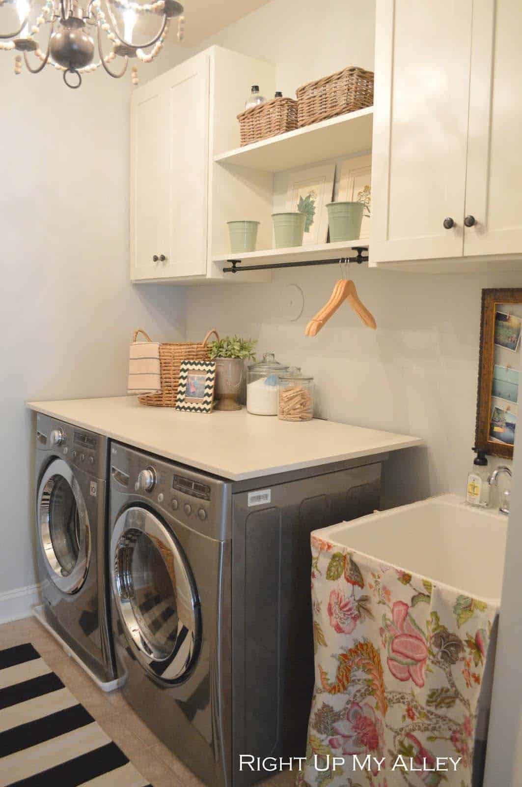 Functional-Stylish Small Laundry Rooms-30-1 Kindesign