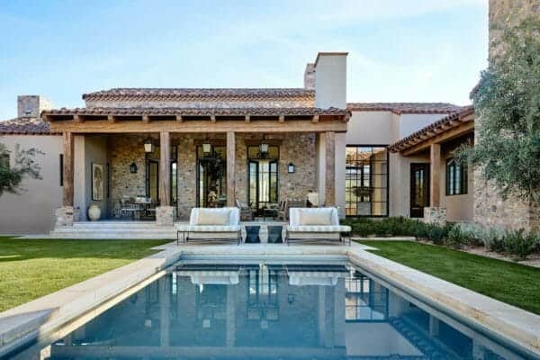 featured posts image for Mediterranean-inspired home with rustic details in the Sonoran desert
