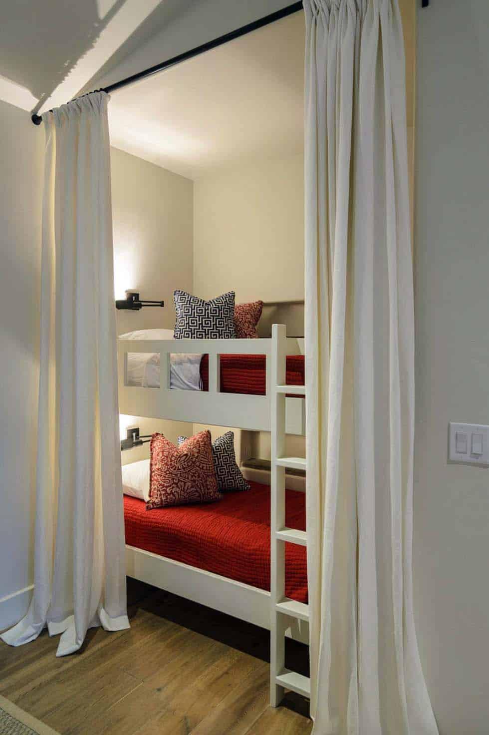 Rustic Mediterranean Style Home Design-23-1 Kindesign