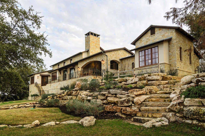Rustic Mediterranean Style Home Design-30-1 Kindesign
