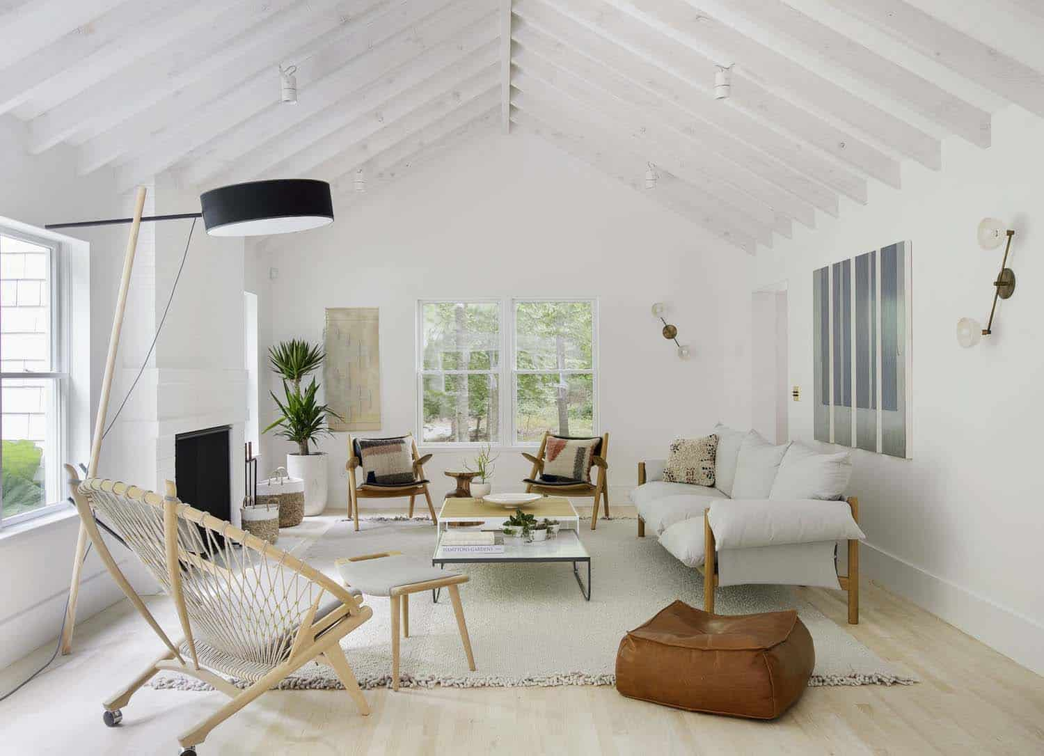 Scandinavian style beach retreat gets radiant makeover in amagansett for Danish design home accessories