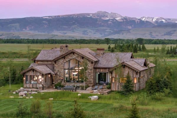 featured posts image for Timber frame home has a breathtaking backdrop of Wyoming's mountains