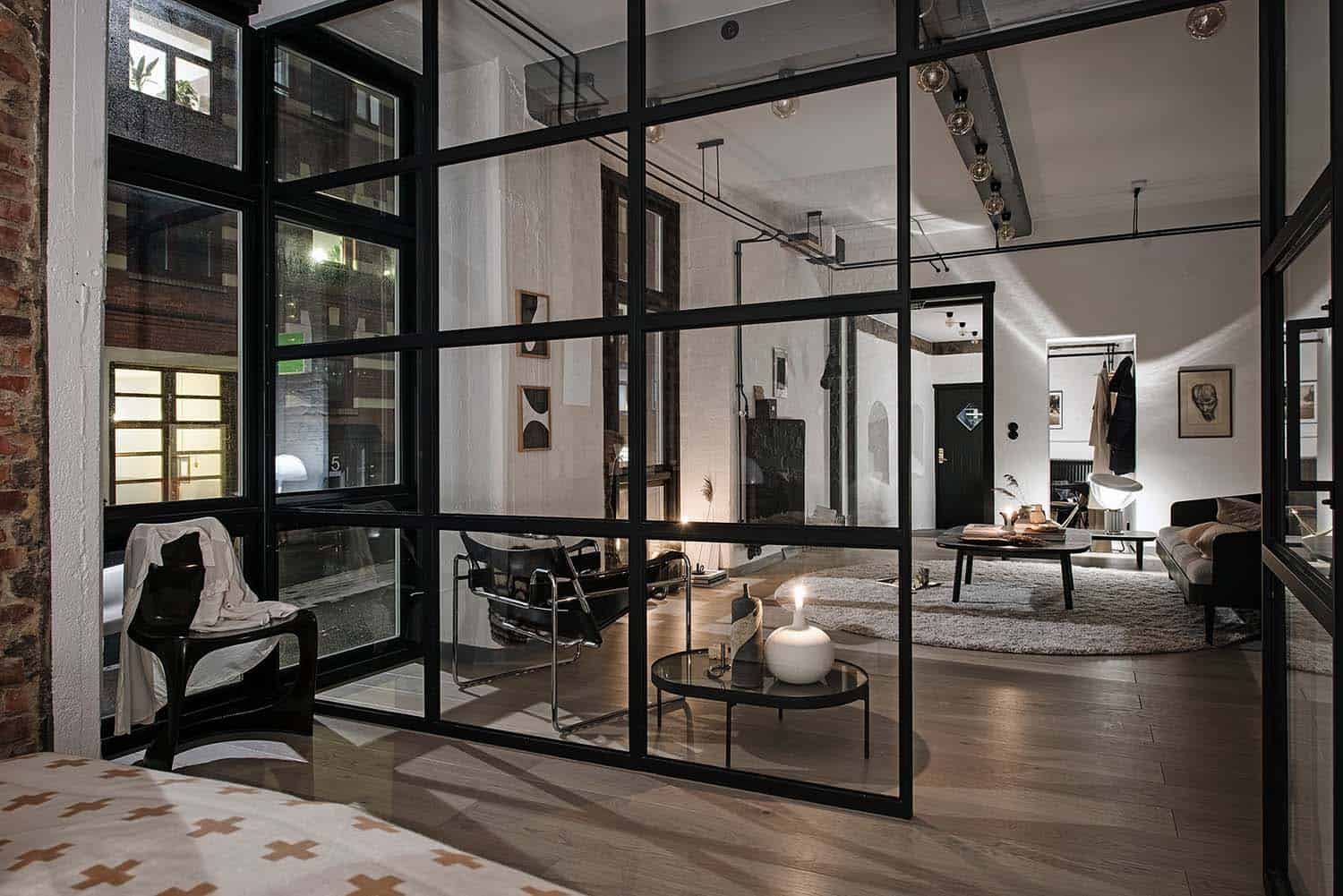 Compact yet bright and airy warehouse style apartment in ...