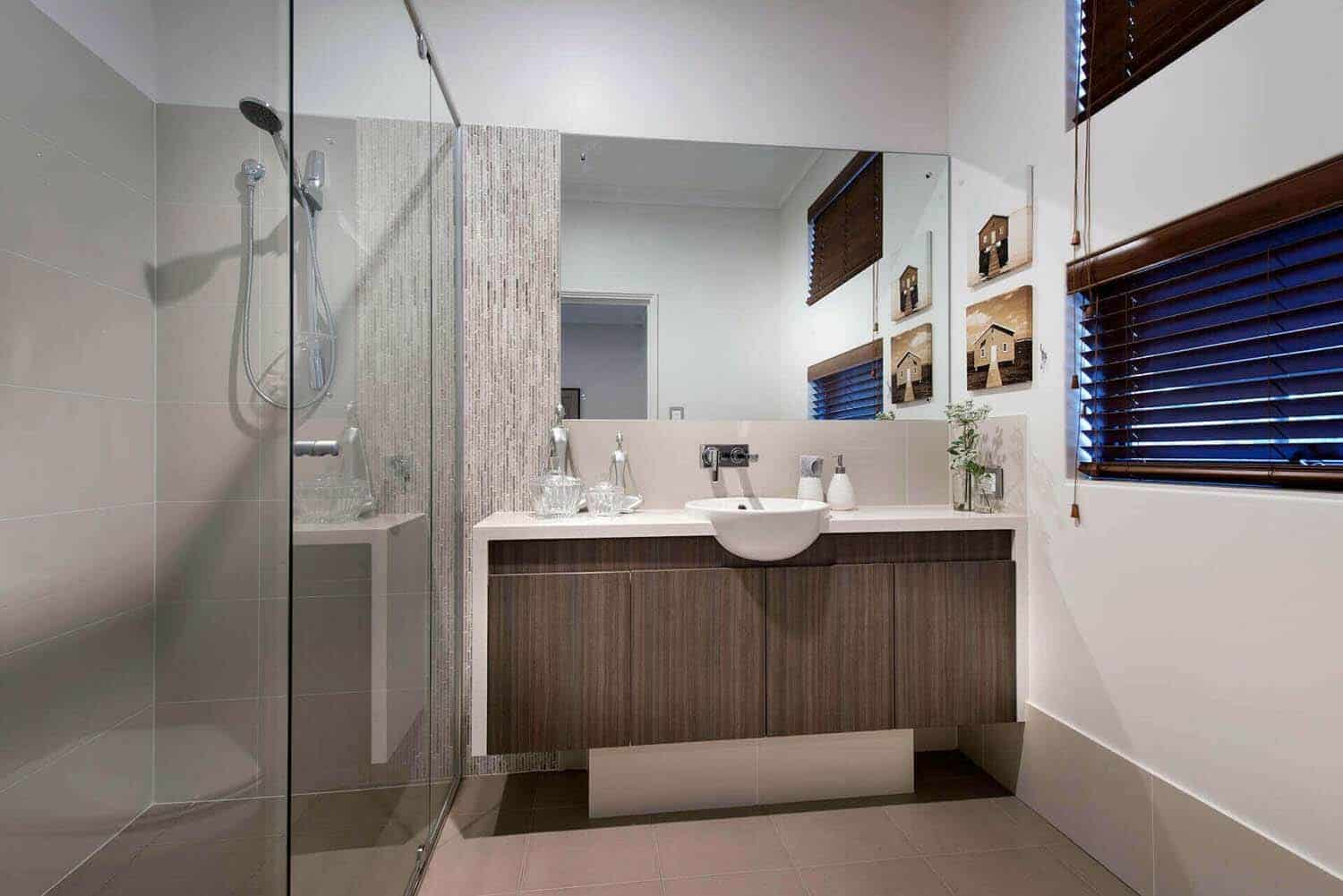 Bright and spacious dream home overlooking the australian for Bathroom designs companies