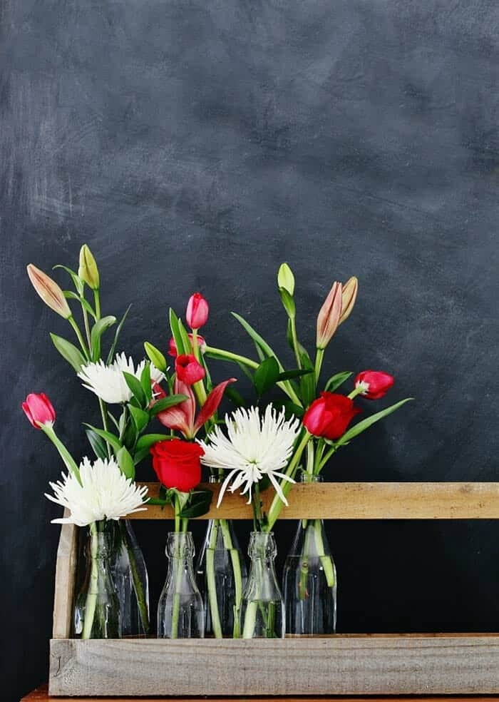 How To Decorate Your Home With Spring Flower Arrangements-01-1 Kindesign