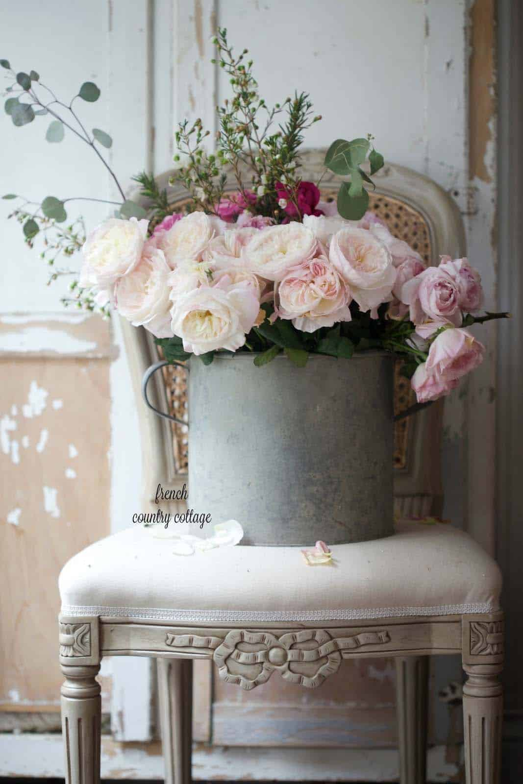 How To Decorate Your Home With Spring Floral Arrangements-04-1 Kindesign