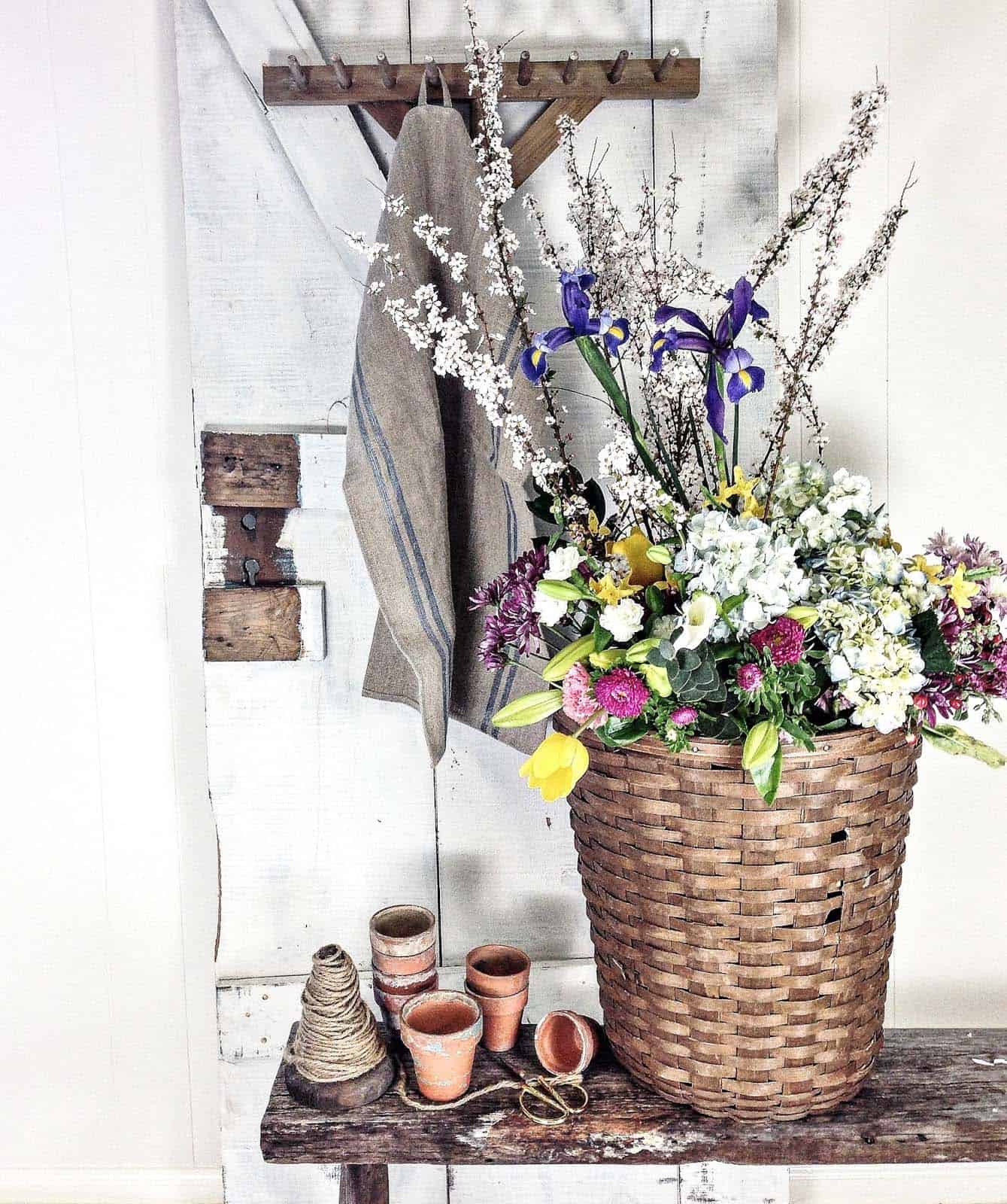 How To Decorate Your Home With Spring Floral Arrangements-14-1 Kindesign
