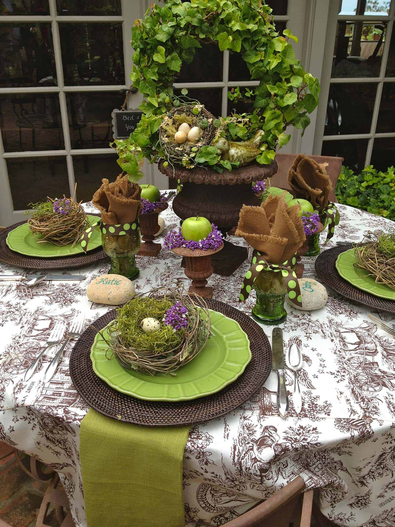 Inspiring Easter Table Centerpiece Ideas-08-1 Kindesign