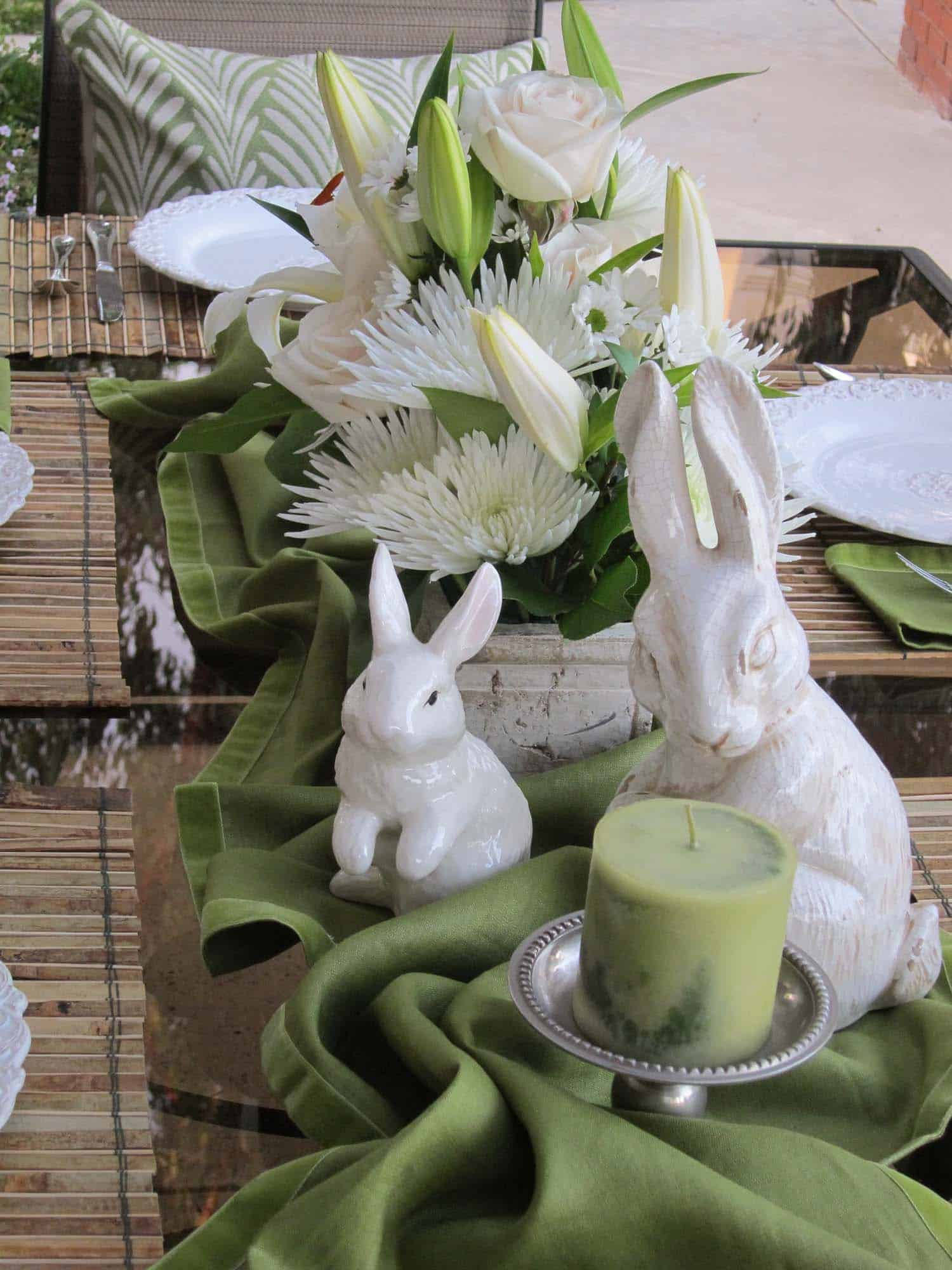 Inspiring Easter Table Centerpiece Ideas-23-1 Kindesign