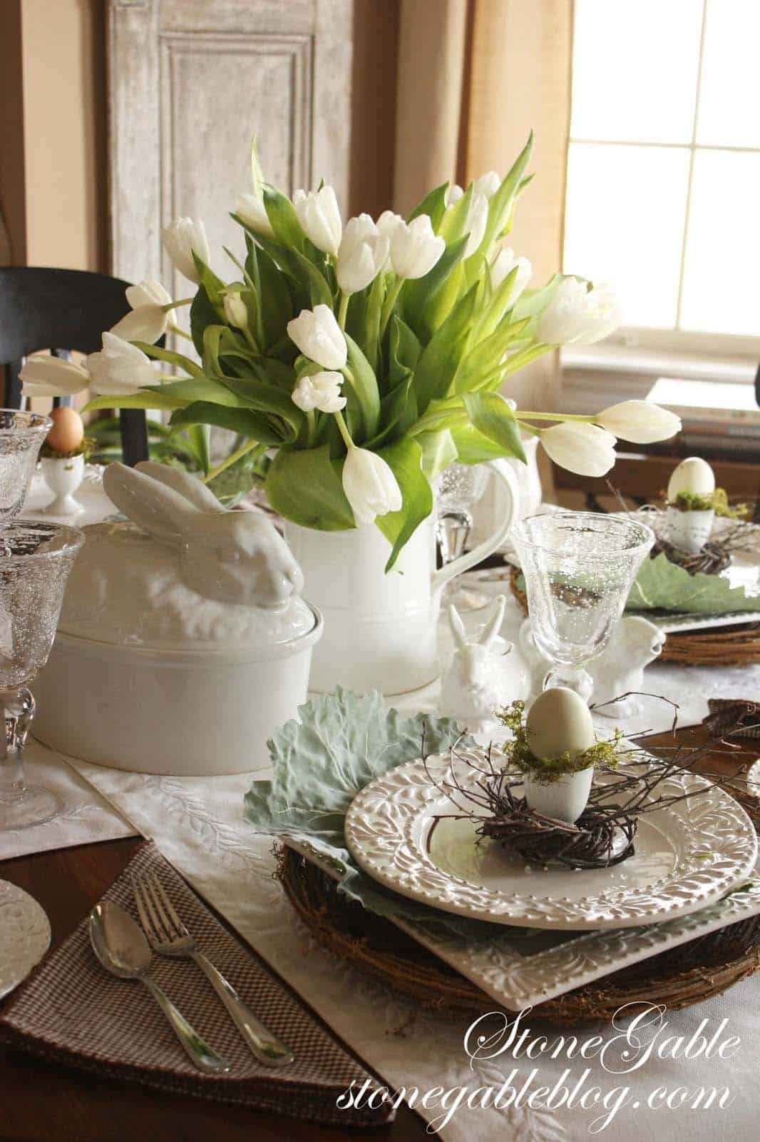Inspiring Easter Table Centerpiece Ideas-30-1 Kindesign