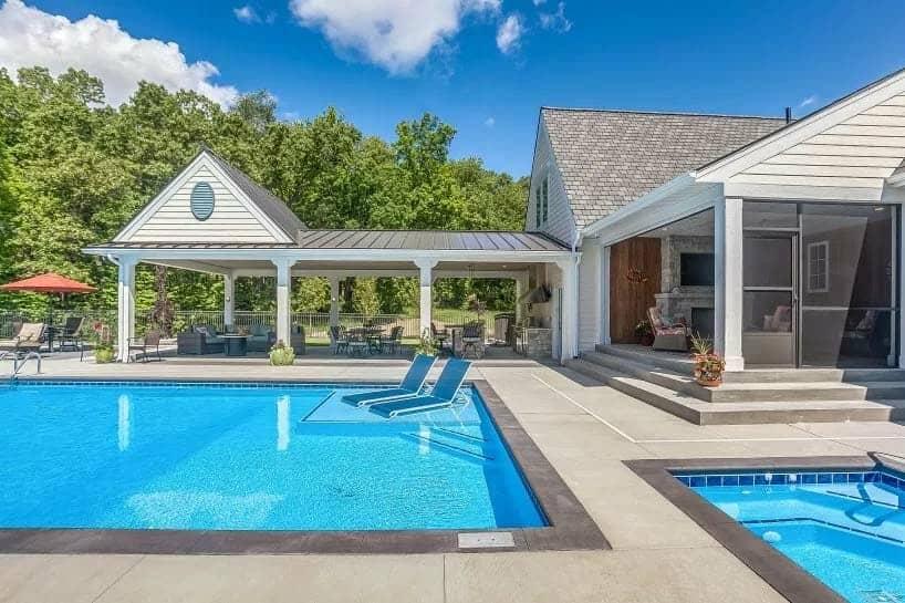 Modern Coastal Plantation Style Home-CVI Design-41-1 Kindesign