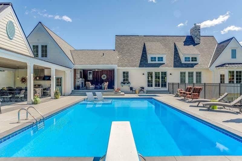 Modern Coastal Plantation Style Home-CVI Design-42-1 Kindesign