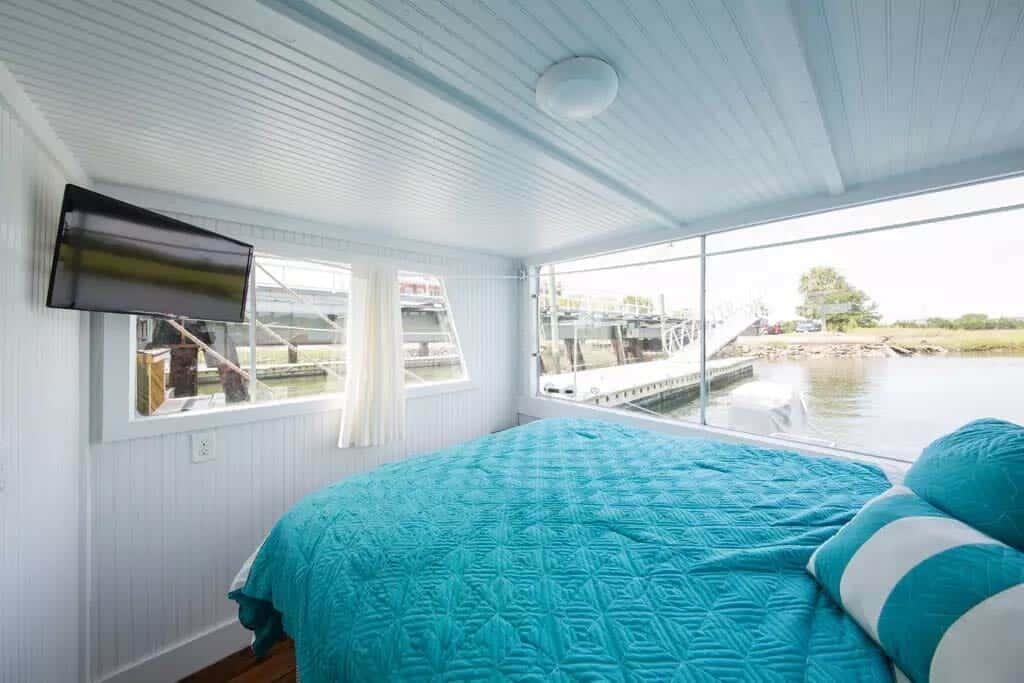 Pirates Life Houseboat-14-1 Kindesign