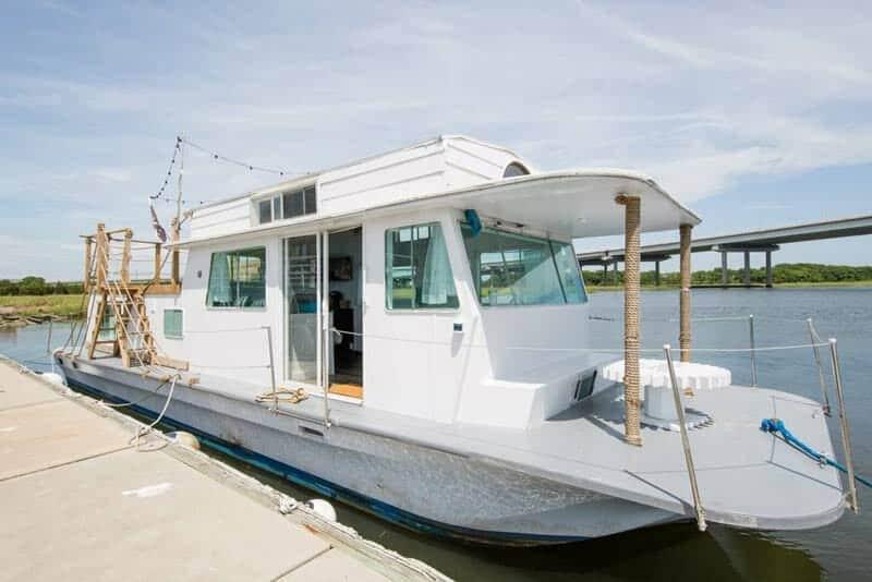 Pirates Life Houseboat-18-1 Kindesign
