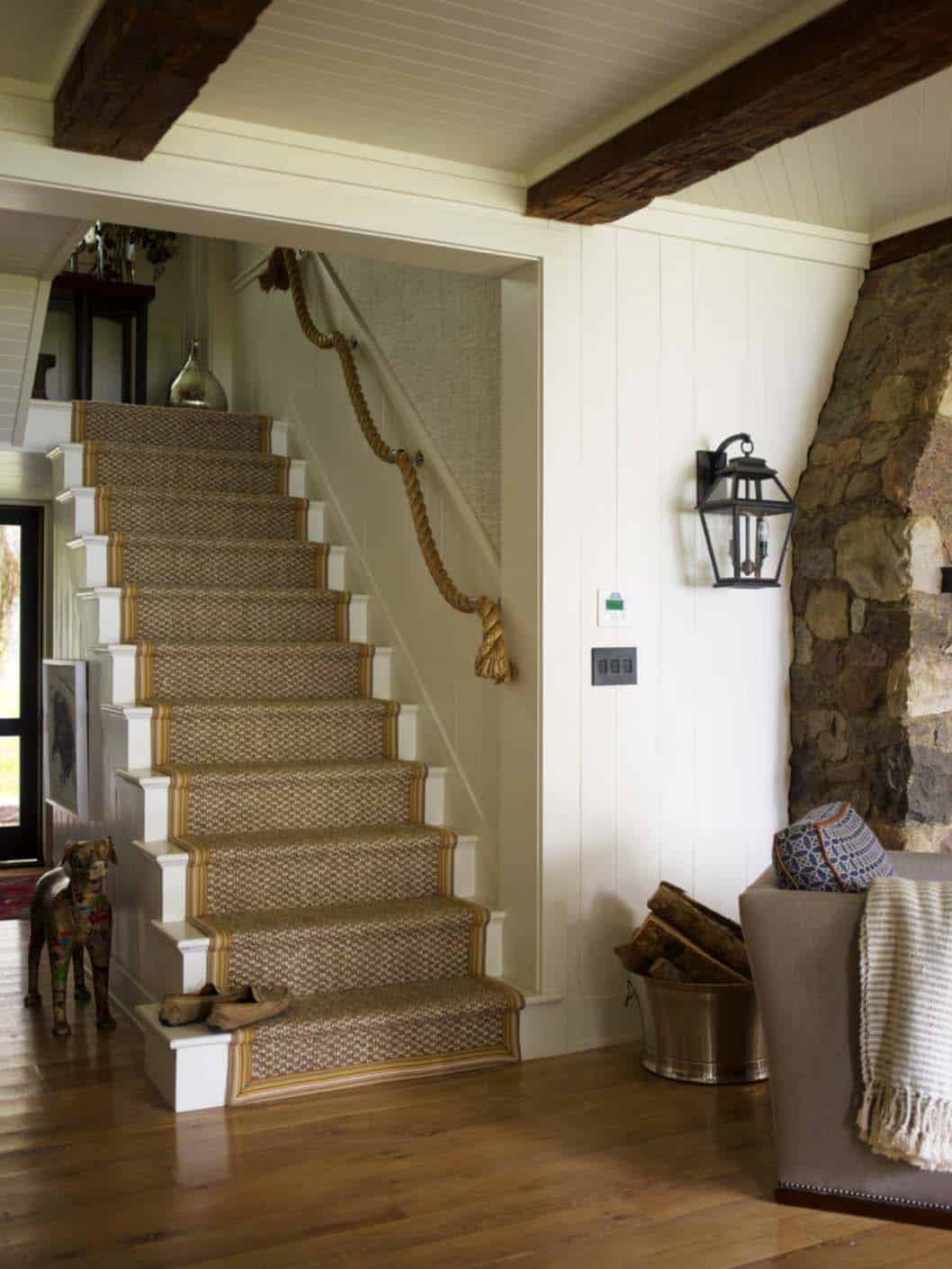 Rustic luxe lake house adorned with charming details on skaneateles lake - Corde decoration rampe escalier ...