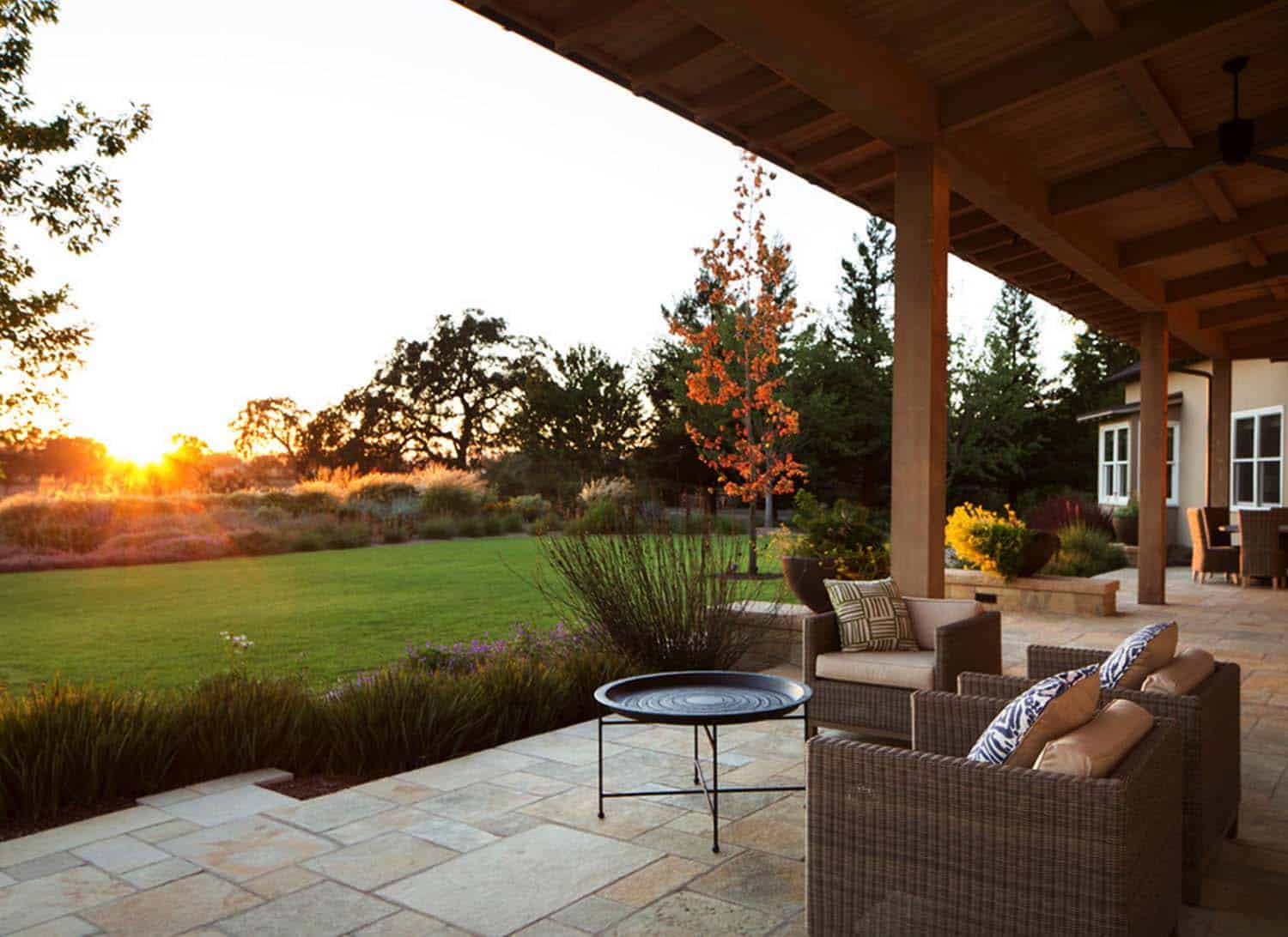 Wine Country Residence-Wade Design Architects-25-1-Kindesign