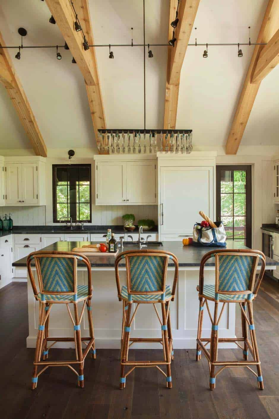 weekend-home-rustic-kitchen