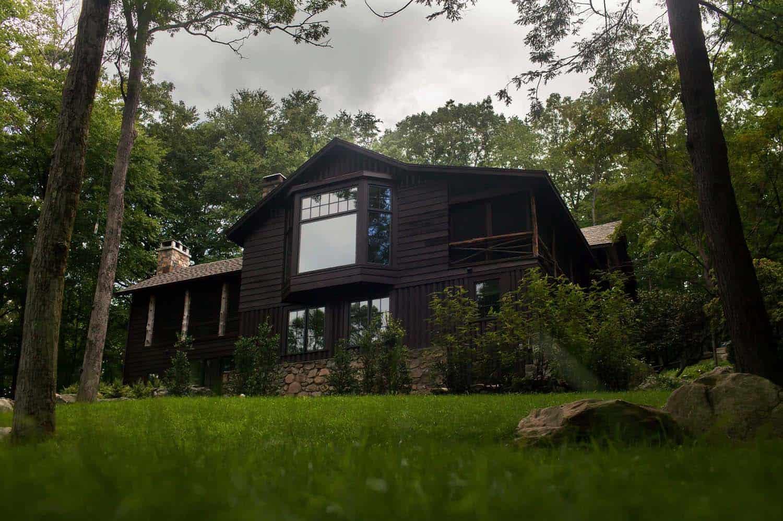 weekend-home-rustic-exterior