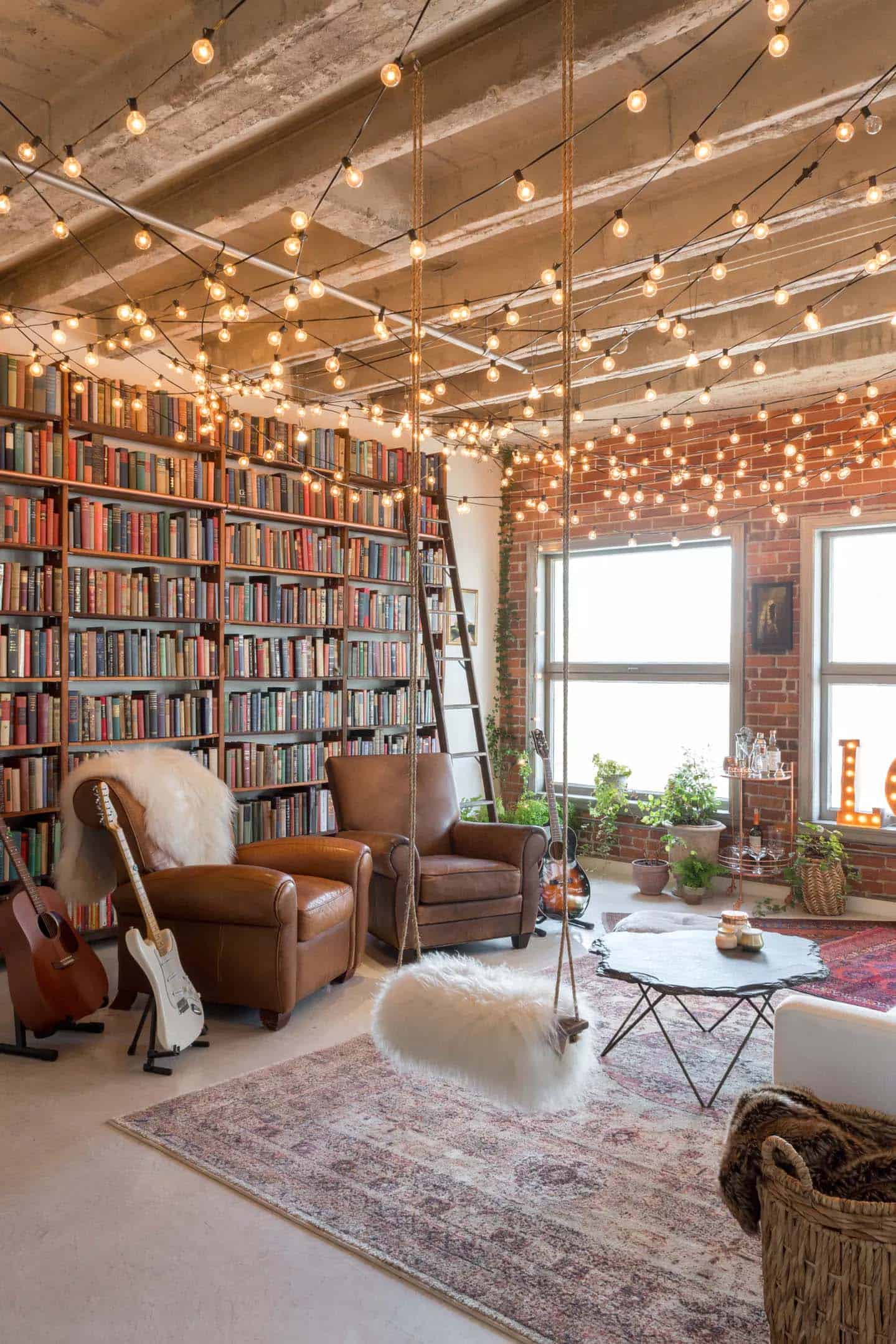 Small Book-filled Loft In Downtown Los Angeles Offers A
