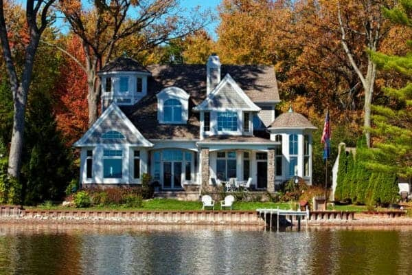 featured posts image for A Cape-Cod-inspired lake house designed for casual living in Michigan