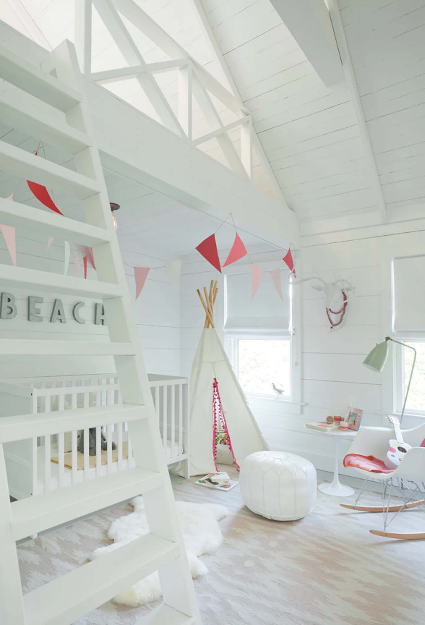 beach-cottage-kids-bedroom
