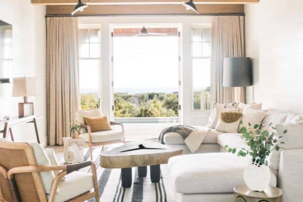 featured posts image for Gorgeous Kiawah Island beach house showcases black and white accents