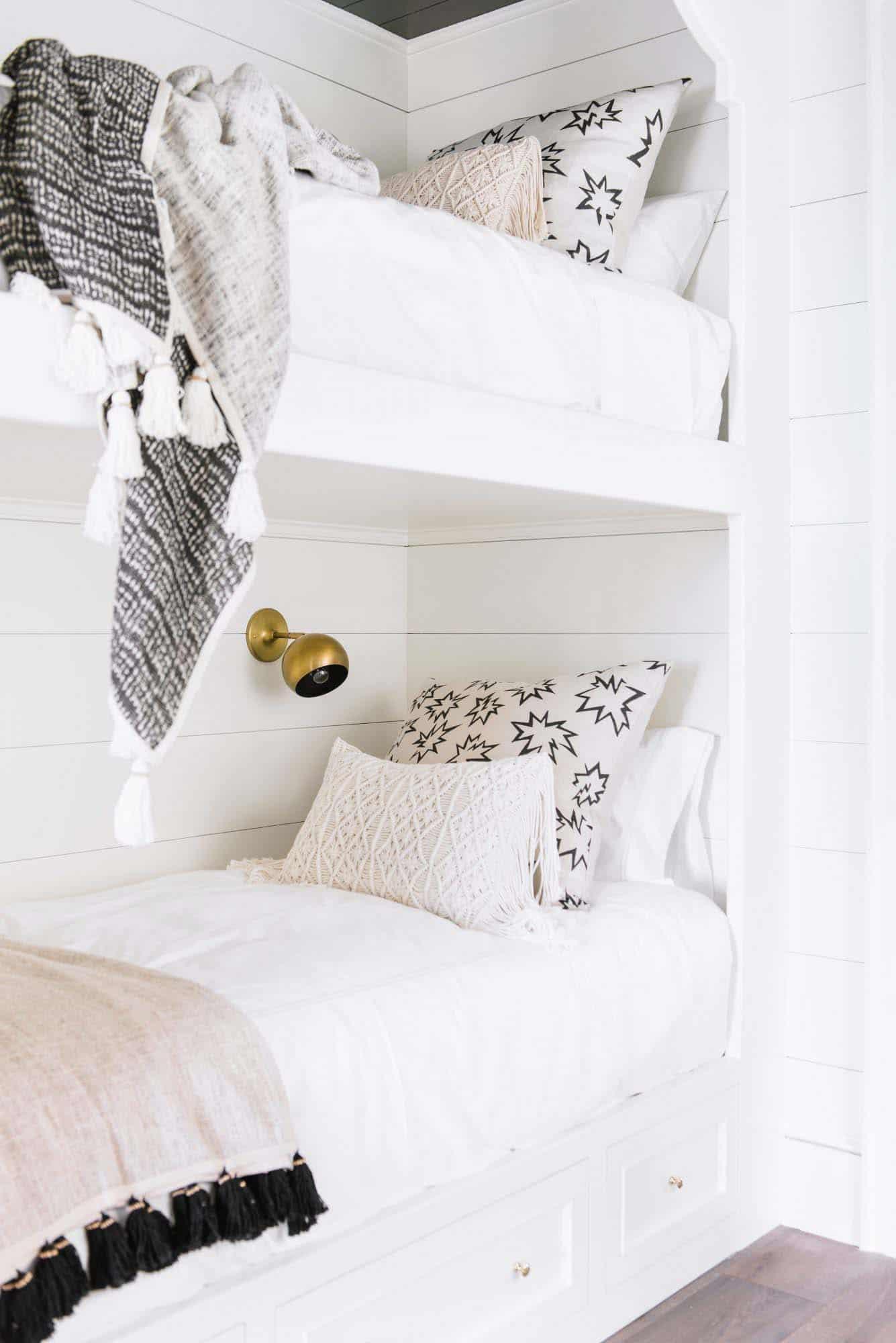 beach style bunk room