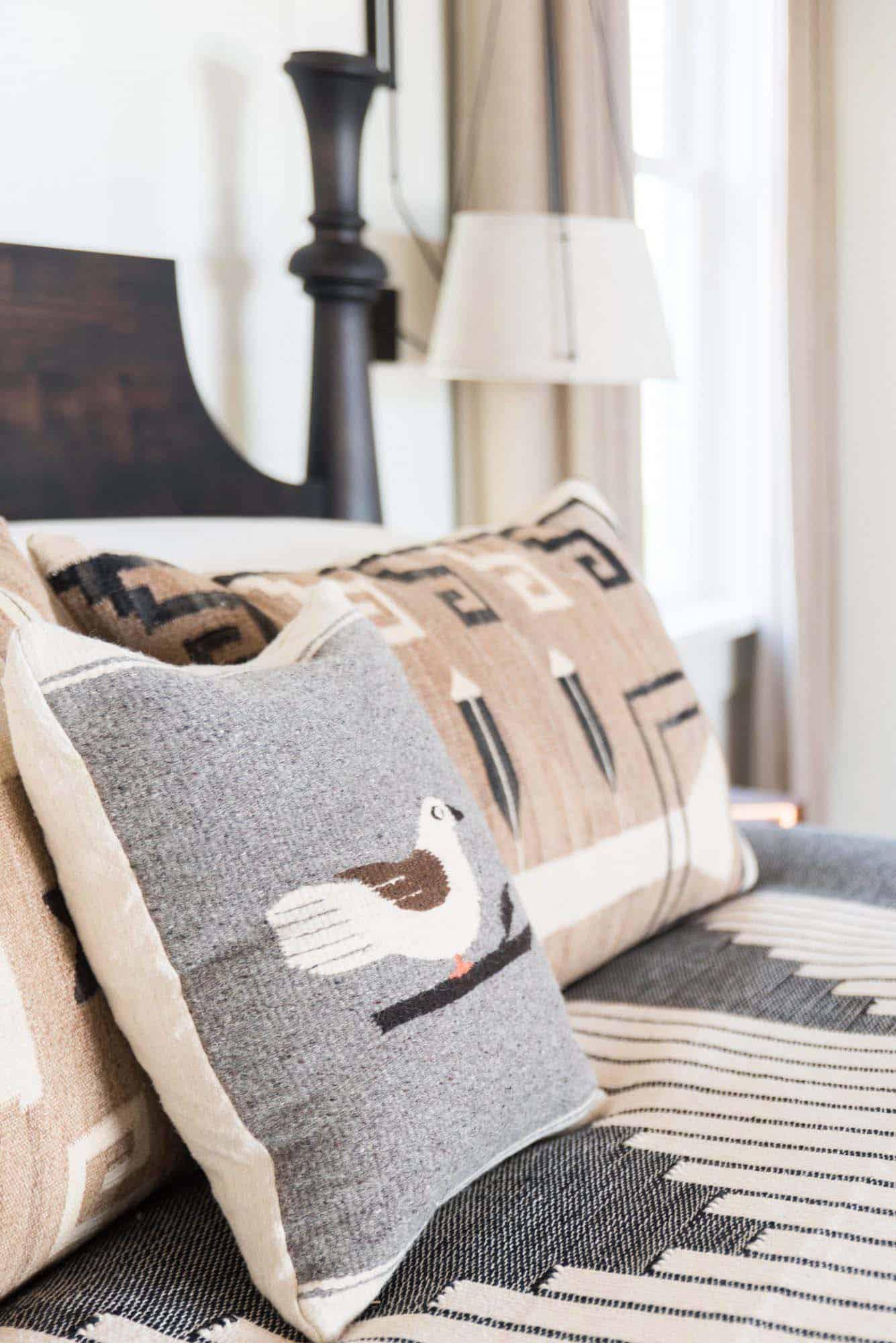 beach style pillow detail