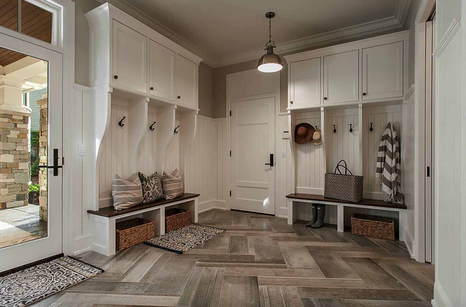The Wall Paint Color Is Moonshine 2140 60 Bm While Trim White Dove Oc 17 Mudroom Dimensions 8 6 X 12 0 Via Locale Design Build