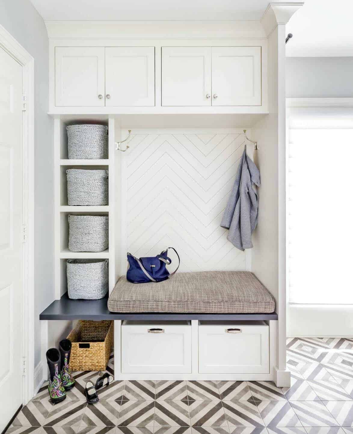30+ Fantastic Mudroom Ideas Offering Amazing Storage Solutions