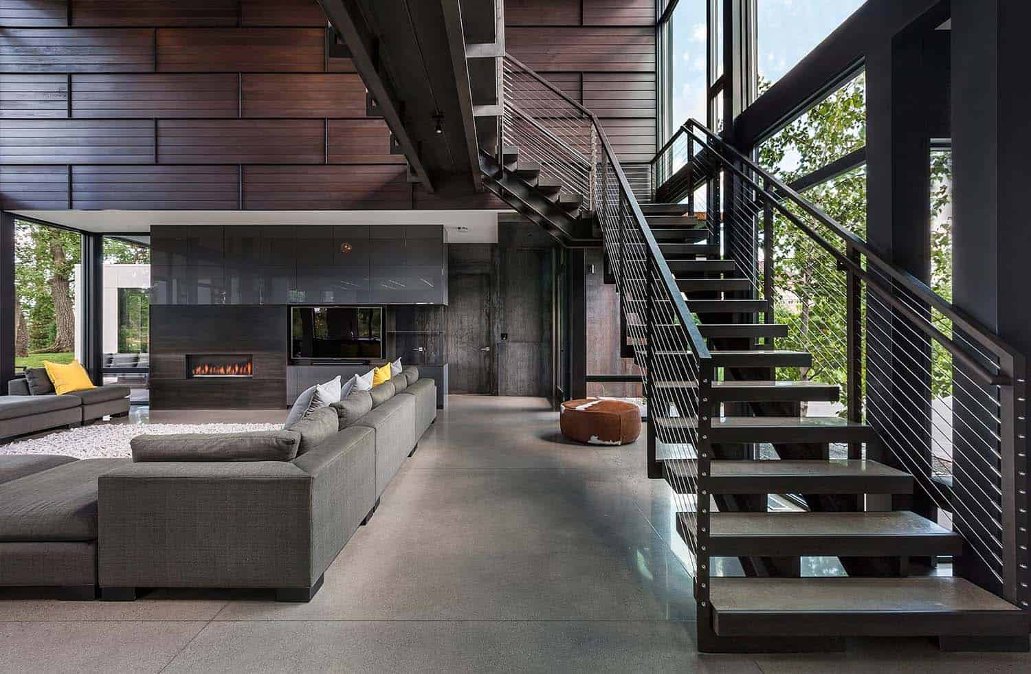Industrial Modern House Boasts A Serene Lakeside Setting