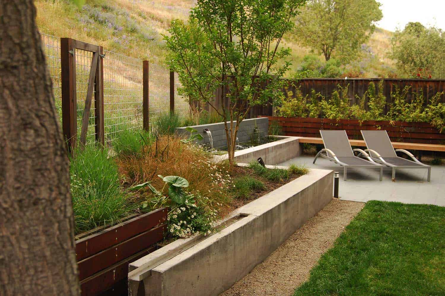 23 Inspiring outdoor garden fountains to add tranquility to your ...