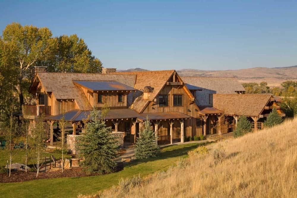 ranch-rustic-exterior