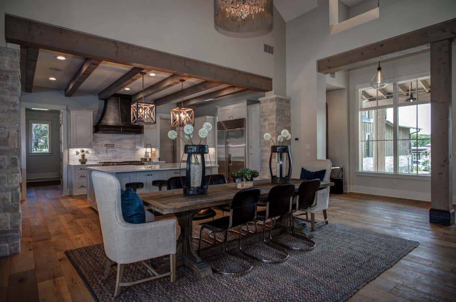 farmhouse-transitional-dining-room