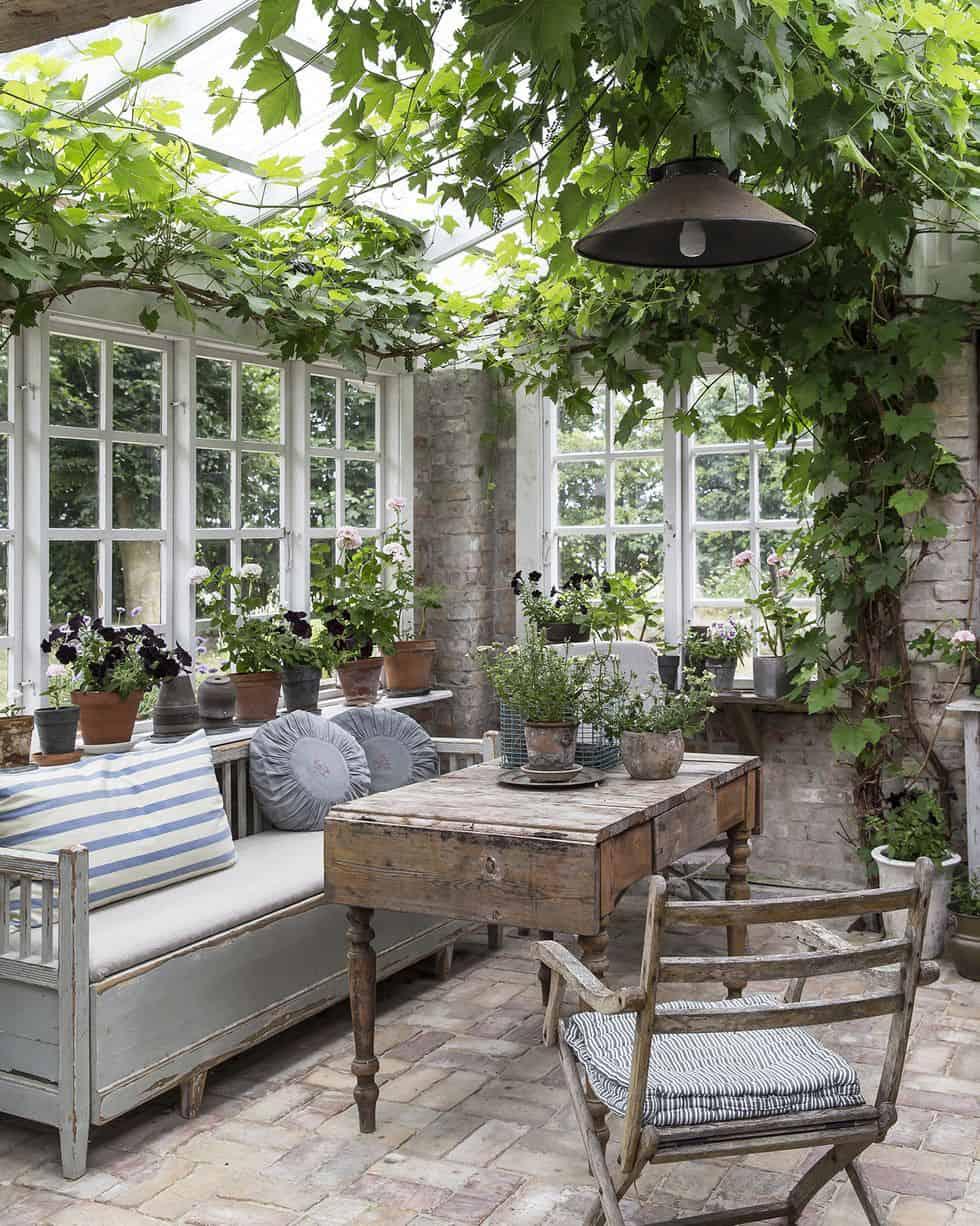 garden-living-room