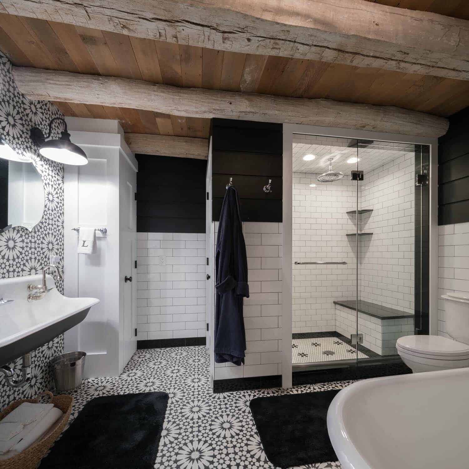 barn-house-bathroom
