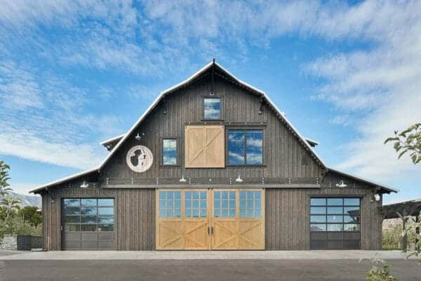 featured posts image for Barn house retreat designed for entertaining in Lake Chelan countryside