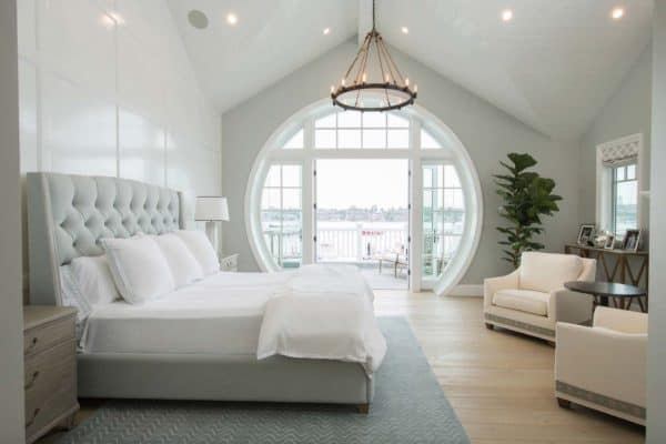 featured posts image for Cape Cod inspired home with beautiful Bayfront views in Newport Beach