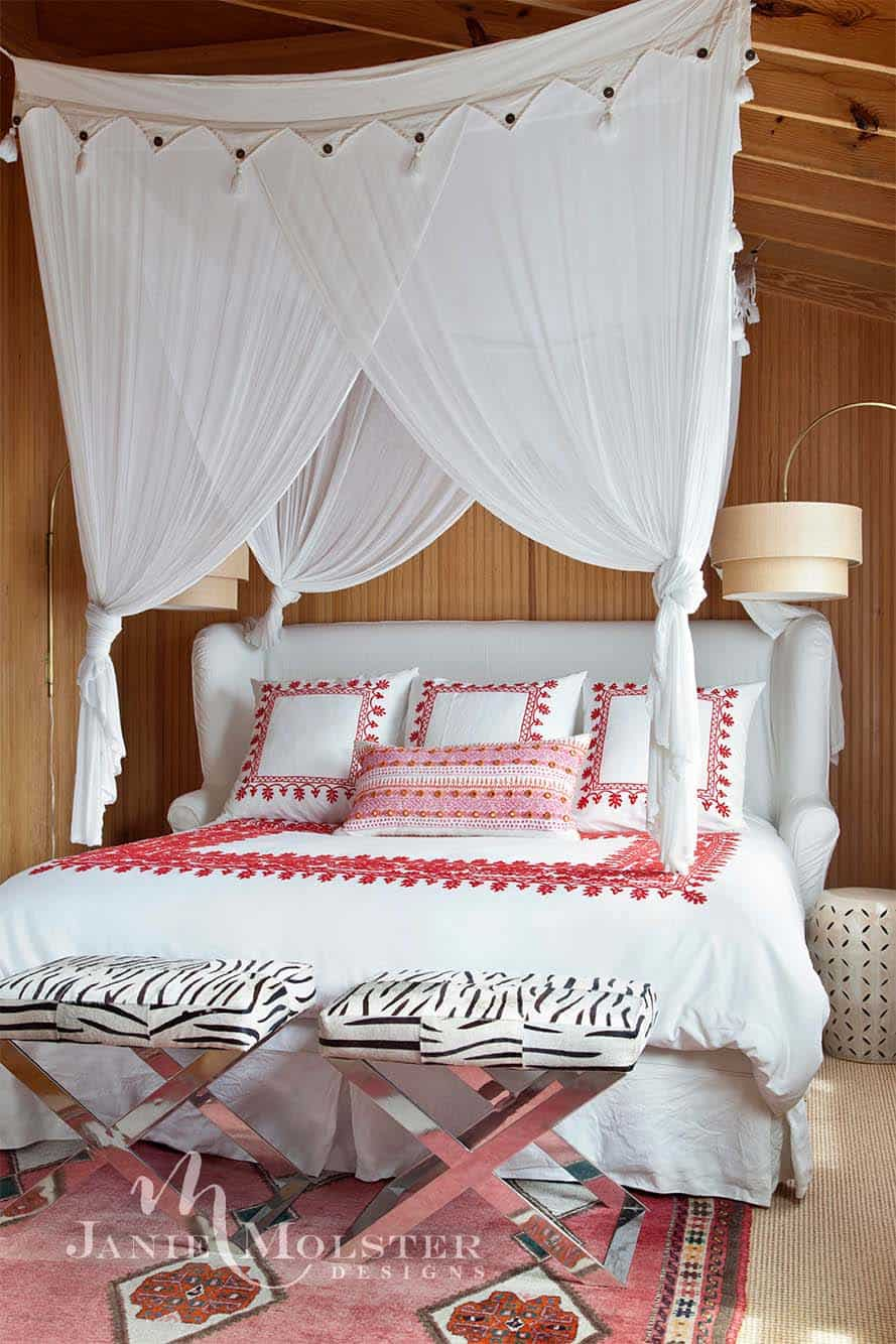beach-cottage-bedroom