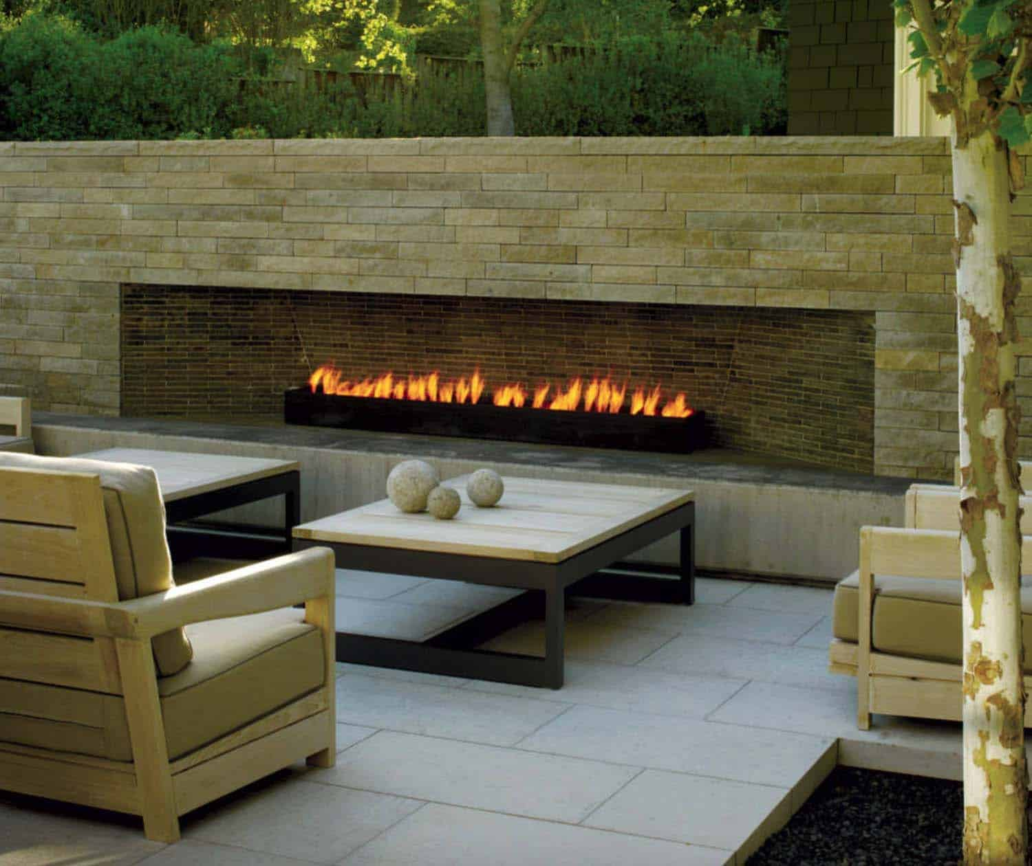Image of: 30 Irresistible Outdoor Fireplace Ideas That Will Leave You Awe Struck