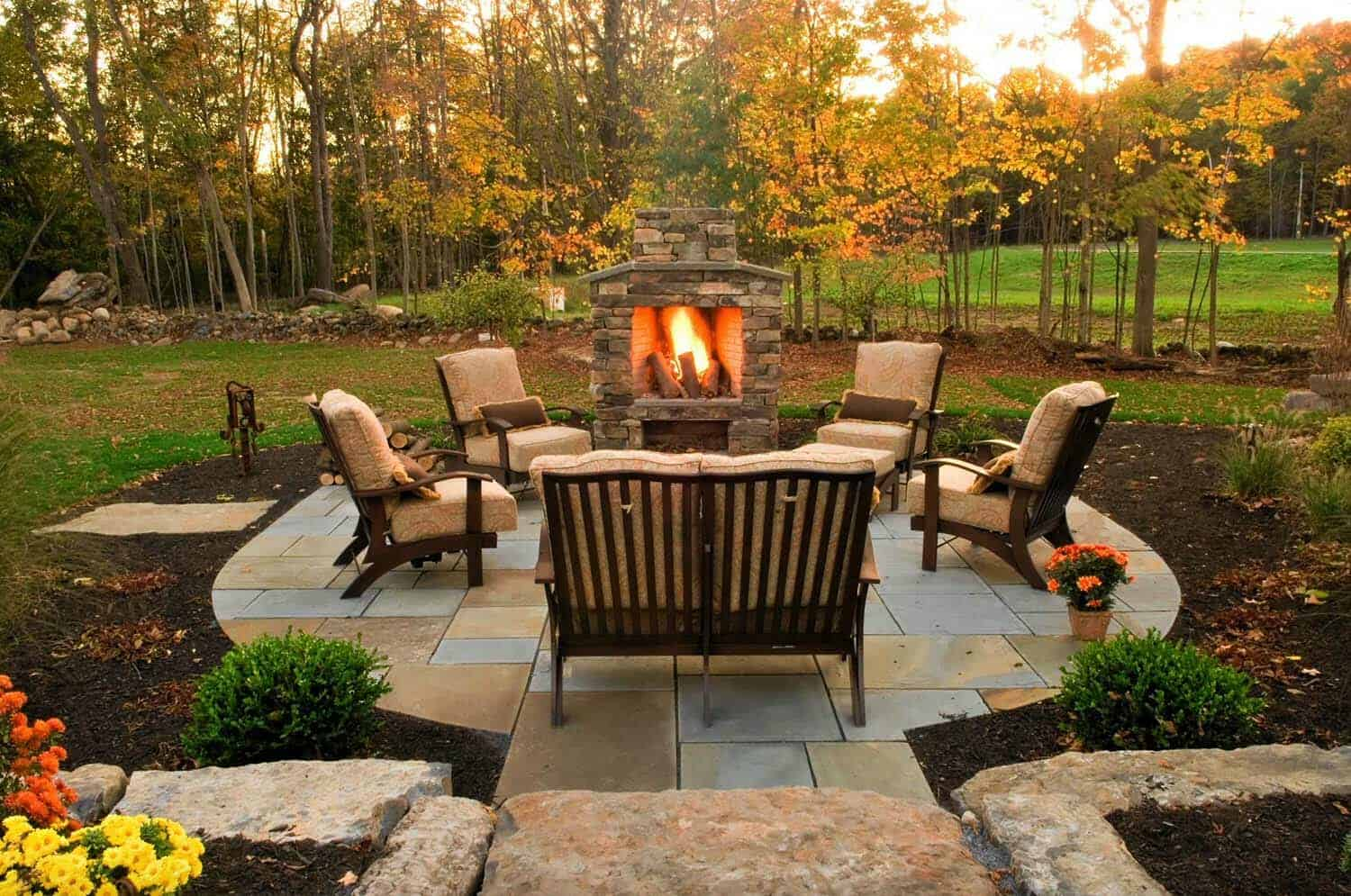 30+ Irresistible outdoor fireplace ideas that will leave ... on Small Outdoor Fireplace Ideas id=40474